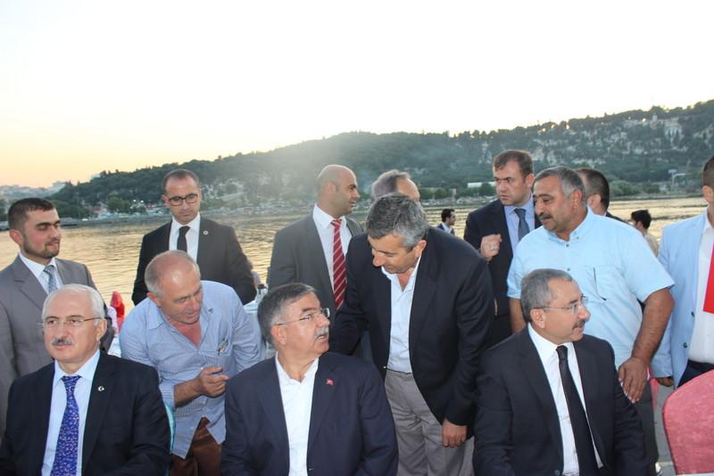 Ba�kan Ovac�k, Bakan Y�lmaz ve yeni milletvekilleri ile bir arada